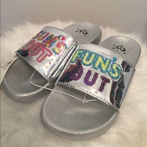 NWT Justice Flip Flops Size 5
